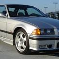 <p> Kalanick sở hữu một chiếc BMW M3 năm 1999. Nếu mua vào thời điểm mẫu xe này ra mắt, ông có lẽ đã chi 45.000 USD. Ảnh: <em>Flickr</em>.</p>