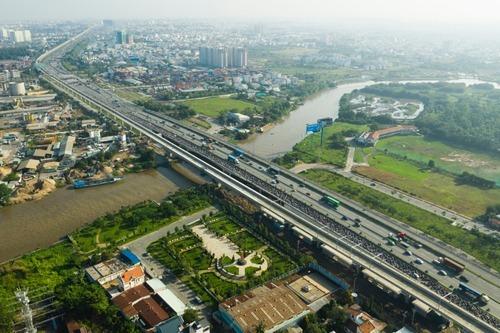Thị trường bất động sản phía Đông TP HCM. Ảnh: Hữu Khoa