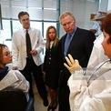 """<p class=""""Normal""""> <strong>5.<span> </span>Phillip Ragon</strong></p> <p class=""""Normal""""> Phillip Ragon và Susan Ragon, cam kết quyên góp 200 triệu USD cho Bệnh viện Đa khoa Massachusetts để tài trợ cho một trung tâm nghiên cứu vắc xin. Phillip Ragon là người sáng lập InterSystems, công ty phần mềm giúp bệnh viện và ngân hàng phân tích dữ liệu lớn. (Ảnh: <em>Getty Images</em>)</p>"""
