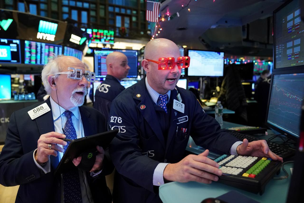Phố Wall tăng điểm, S&P 500 tăng gần 190% trong thập niên 2010
