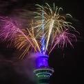 <p> Tháp Sky ở Auckland, New Zealand rực rỡ trong màn đêm với màn pháo hoa đón khoảnh khắc chuyển giao giữa năm cũ và mới. Ảnh: <em>Getty Images.</em></p>