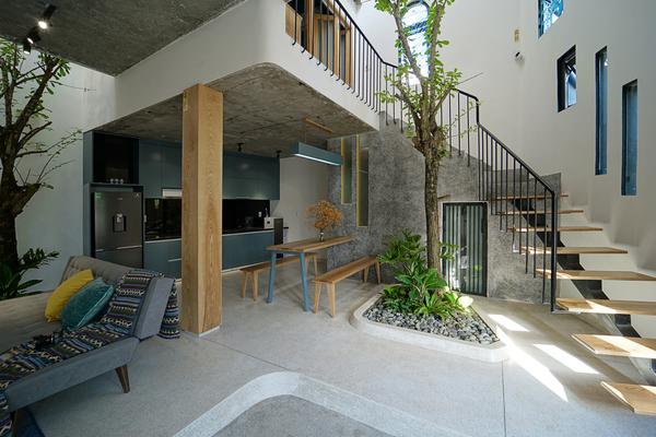 Nhà 'siêu méo' ở Đà Nẵng xuất hiện trên tạp chí kiến trúc Mỹ nhờ khả năng đón ánh sáng tự nhiên