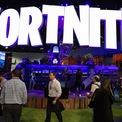"""<p class=""""Normal""""> <strong>2.<span> </span>Epic Games</strong></p> <p class=""""Normal""""> Tim Sweeney thành lập Epic Games từ tầng hầm trong căn nhà của bố mẹ vào năm 1991. Sau đó ông cho ra đời Unreal Engine – một công cụ cho các nhà phát triển phần mềm tạo ra thêm những tựa game khác. Unreal chịu trách nhiệm cho nhiều tựa game nổi tiếng như Gears of War, Bioshock và Fortnite – game """"bom tấn"""" của Epic Games, thu hút hơn 250 triệu người chơi trên toàn cầu với doanh thu hàng tỷ USD. (Ảnh: <em>Bloomberg</em>)</p>"""