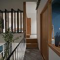 <p> Tầng 2 là không gian riêng tư, gồm 2 phòng ngủ và 1 phòng vệ sinh.</p>
