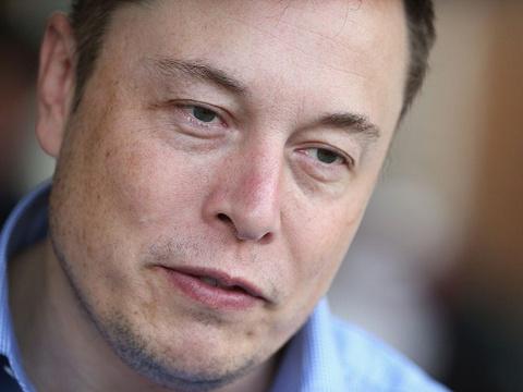 Elon Musk vẫn làm việc tại nhà máy ngày đầu năm mới 2020