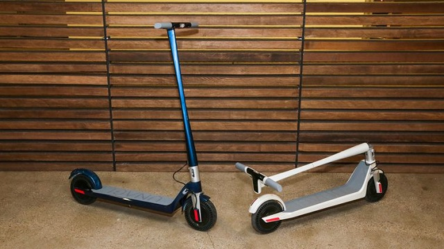 unagi-e450-scooter-ro-6748-1577960771.jp