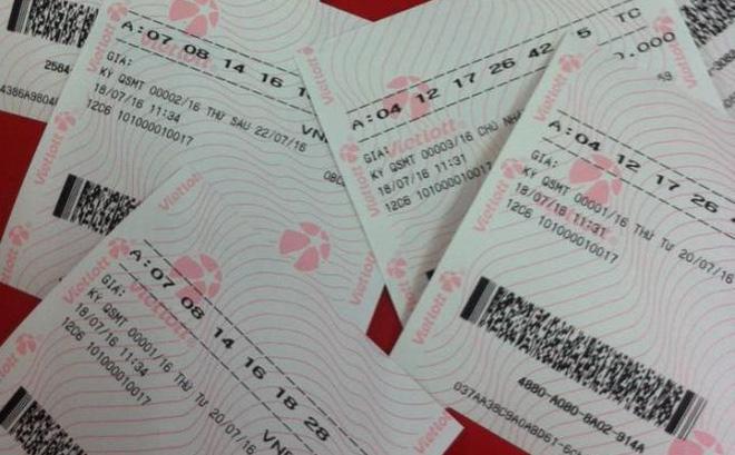 Khách hàng mua vé Vietlott tại Bình Dương trúng hơn 111 tỷ đồng