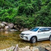 Toyota Việt Nam giảm giá xe Fortuner, Innova và Altis