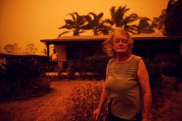 Australia đỏ rực vì cháy rừng