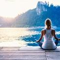 <p> <strong>10. Ưu tiên sức khỏe</strong>: Cuối cùng, thành công không chỉ về mặt công việc mà là tổng thể con người. Bạn sẽ dễ phát triển nếu có nền tảng sức khỏe tốt. Vì thế, bạn cần rèn luyện thói quen tốt cho sức khỏe như ngủ ngon, tập thể dục mỗi tuần, tập yoga. Ảnh: <em>Shutterstock.</em></p>