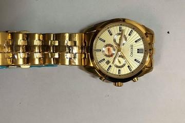 Thu giữ hơn 5.000 đồng hồ mang nhãn hiệu Chanel, Rolex, Gucci... không rõ nguồn gốc