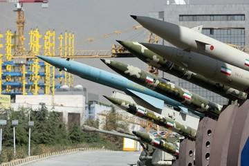 Mỹ: Iran phóng hơn 10 tên lửa nhằm vào hai căn cứ Iraq có quân nhân Mỹ