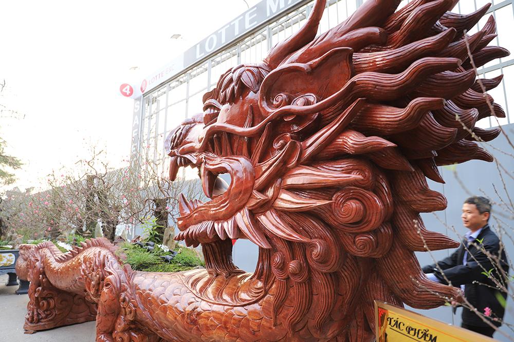 Chậu đào hình rồng giá 1,5 tỷ đồng tại Hà Nội