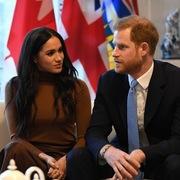 Rời bỏ hoàng gia, vợ chồng hoàng tử Harry kiếm tiền từ đâu?