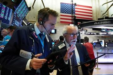 Dow Jones lần đầu vượt mốc 29.000, nhà đầu tư chốt lời khiến Phố Wall giảm điểm