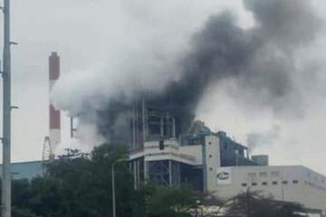 Sau tiếng nổ lớn, tổ máy 300 MW nhiệt điện Uông Bí bốc khói đen