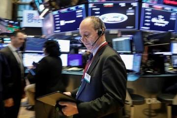 Lạc quan về thương mại và lợi nhuận, Phố Wall tiếp tục lập đỉnh