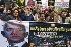 Biểu tình phản đối Jeff Bezos đầu tư 1 tỷ USD vào Ấn Độ