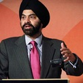 """<p class=""""Normal""""> <strong>Ajay Banga, Chủ tịch và CEO MasterCard</strong></p> <p class=""""Normal""""> Ajay Banga tốt nghiệp trường St. Stephen's College thuộc Đại học Delhi và có bằng MBA của Học viện Quản trị Ấn Độ (IIM). Ông bắt đầu sự nghiệp với Nestle năm 1981và từng làm việc tại PepsiCo. Banga được bổ nhiệm làm CEO hãng thẻ tín dụng Mastercard vào tháng 7/2010. (Ảnh: <em>Inc.</em>)</p>"""