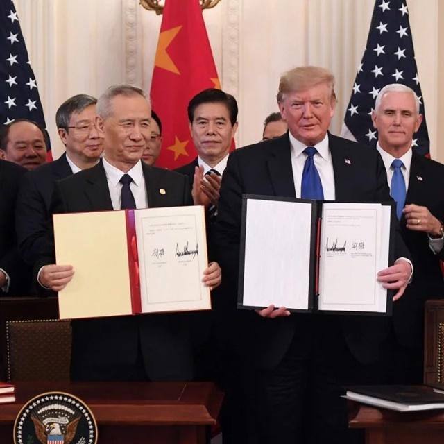 Bản thỏa thuận thương mại giai đoạn 1 giữa Mỹ và Trung Quốc. Ảnh: SCMP.