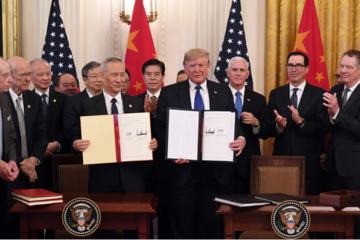 Thế giới tuần qua: Mỹ - Trung ký thỏa thuận, chính phủ Nga giải tán