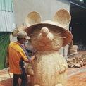 <p> Sau khi hoàn thiện khâu đan lát, những chú chuột sẽ được dùng máy để làm nhẵn bề mặt.</p>