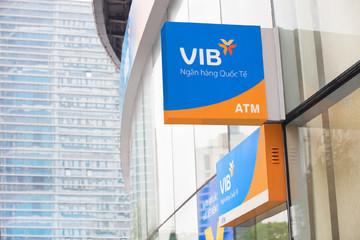 Lãi VIB tăng 49% trong 2019, thu dịch vụ gấp 2,4 lần