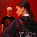 """<p class=""""Normal""""> <strong>2. Givenchy</strong></p> <p class=""""Normal""""> Lấy cảm hứng từ biểu tượng con giáp của năm 2020 với đặc trưng linh hoạt, tự do chạy nhảy, Givenchy ra mắt bộ sưu tập cơ bản dành cho cả nam lẫn nữ bao gồm áo thun, áo nỉ, áo len và áo khoác. 4 chữ G đặc trưng của thương hiệu xen kẽ với hình ảnh những chú chuột tạo nên hiệu ứng trừu tượng độc đáo.</p>"""