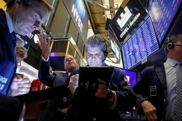 Phố Wall diễn biến trái chiều theo virus corona và cổ phiếu công nghệ