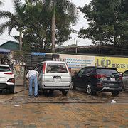 200.000 đồng một lần rửa ôtô ngày 29 Tết