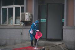 Bên trong tâm dịch cúm Vũ Hán, nơi 11 triệu dân bị cách ly