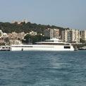 """<p class=""""Normal""""> Laurene Powell Jobs cùng gia đình thường sử dụng chiếc du thuyền Venus trong mỗi chuyến du lịch cùng nhau. Du thuyền sang trọng này được cho là tốn ít nhất 110 triệu USD để hoàn thiện. Ảnh:<em> Shutterstock.</em></p>"""