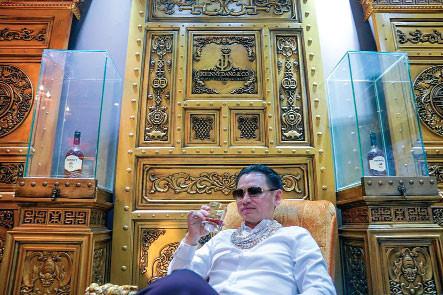 Vua kim hoàn gốc Việt ở Mỹ