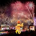 """<p class=""""Normal""""> Pháo hoa mừng năm mới Canh Tý 2020 ở Singapore. Ảnh: <em>Reuters.</em></p>"""