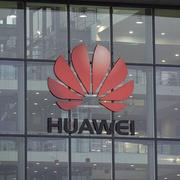 Bộ Thương mại Mỹ rút các quy định cấm công ty bán hàng cho Huawei