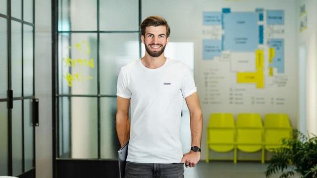Từ người lái du thuyền đến CEO startup được định giá 500 triệu USD