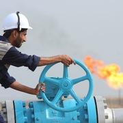 Giá dầu giảm 3% do lo ngại liên quan virus corona, OPEC