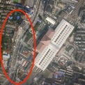 <p> Hình ảnh con đường nhộn nhịp ở khu vực cạnh ga xe lửa Vũ Xương ngày 12/1. Ảnh: <em>Reuters</em>.</p>