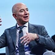Ông chủ Amazon kiếm được 7,92 tỷ USD trong một ngày