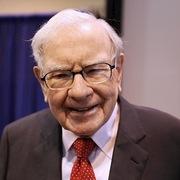 Tỷ phú Warren Buffett sẽ bán 31 tờ báo với giá 140 triệu USD