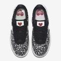 """<p class=""""Normal""""> <span>Valentine năm nay, Nike gửi thông điệp """"U* complete me"""" thêm phần ý nghĩa trong ngày đặc biệt.</span></p>"""