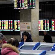 Số người tử vong vì virus corona tăng, cổ phiếu Trung Quốc lao dốc 7-8%