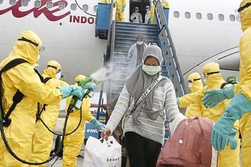 Indonesia xịt khử trùng công dân trở về từ Vũ Hán