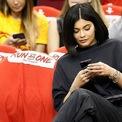 <p> Kylie Jenner là một trong những người có giá quảng cáo đắt đỏ nhất trên mạng xã hội. Mỗi bài đăng của cô có giá 1,2 triệu USD. Theo ước tính của Sở An sinh Xã hội Mỹ, con số đó xấp xỉ với số tiền trung bình mà một phụ nữ Mỹ có bằng cử nhân kiếm được trong suốt cuộc đời. Ảnh: <em>Getty.</em></p>