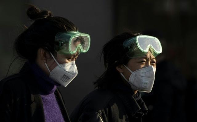 Chuyên gia Trung Quốc: Hãy khóc để giải tỏa áp lực vì virus corona