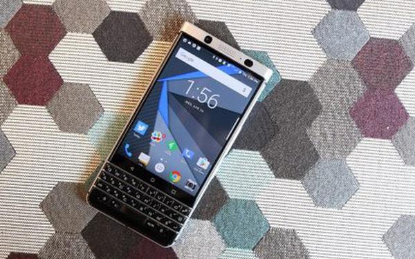 Smartphone BlackBerry dừng bán