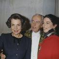 <p> Eugene Schueller, người người sáng lập L'Oreal, và chồng phát minh ra công thức nhuộm tóc mới vào năm 1908, được gọi là L'Oreal. Sản phẩm này giúp họ trở nên vô cùng giàu có. Năm 1957, con gái họ, Liliane Bettencourt, được thừa kế toàn bộ gia nghiệp. Chồng của bà Liliane Bettencourt - ông André - khi đó là một chính trị gia ở Pháp. Gia đình Bettencourt nổi tiếng trong giới thượng lưu Pháp với lối sống xa hoa. Tuy nhiên, con gái họ - Bettencourt Meyers - chưa bao giờ chạy theo lối sống xa hoa giống cha mẹ mình. Bà thích chơi piano và viết lách, theo tờ Vanity Fair. Ảnh: <em>Getty Images.</em></p>