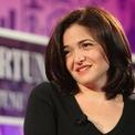 <p> Sandberg gắn bó với World Bank trong một năm. Sau đó, bà quay lại Harvard để lấy bằng MBA và làm việc một năm tại công ty tư vấn toàn cầu McKinsey &amp; Company.<br /><br /><span>Năm 24 tuổi, Sandberg kết hôn với một doanh nhân tên là Brian Kraff, nhưng họ ly hôn một năm sau đó. Sandberg chia sẻ với <em>Cosmopolitan </em>rằng bà rất lo lắng việc ly hôn sẽ khiến bà không thể hẹn hò với một ai khác. Ảnh: <em>Getty Images.</em></span></p>