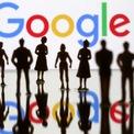"""<p class=""""Normal""""> Google phát triển mạnh trong thời gian Sandberg làm việc tại đây. Bà được bổ nhiệm làm phó chủ tịch điều hành và bán hàng trực tuyến toàn cầu.<span>Tuy nhiên, sau gần 7 năm tại Google, Sandberg sẵn sàng cho thử thách mới. Thời điểm đó, ông Eric Schmidt, CEO của Google, đề nghị bà trở thành giám đốc tài chính, nhưng Sandberg từ chối. Ảnh: <em>Reuters.</em></span></p>"""