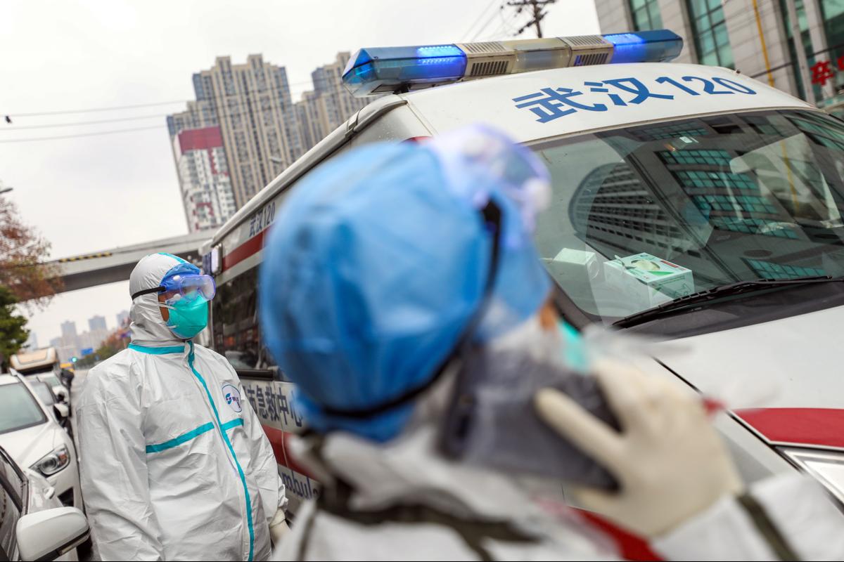 Thêm 73 ca tử vong, một trong 8 bác sĩ đầu tiên cảnh báo virus corona qua đời